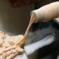 Как набить колбасную оболочку без воздуха