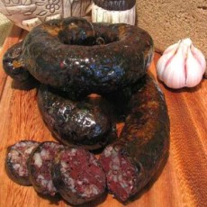 Кровяная колбаса с гречневой кашей